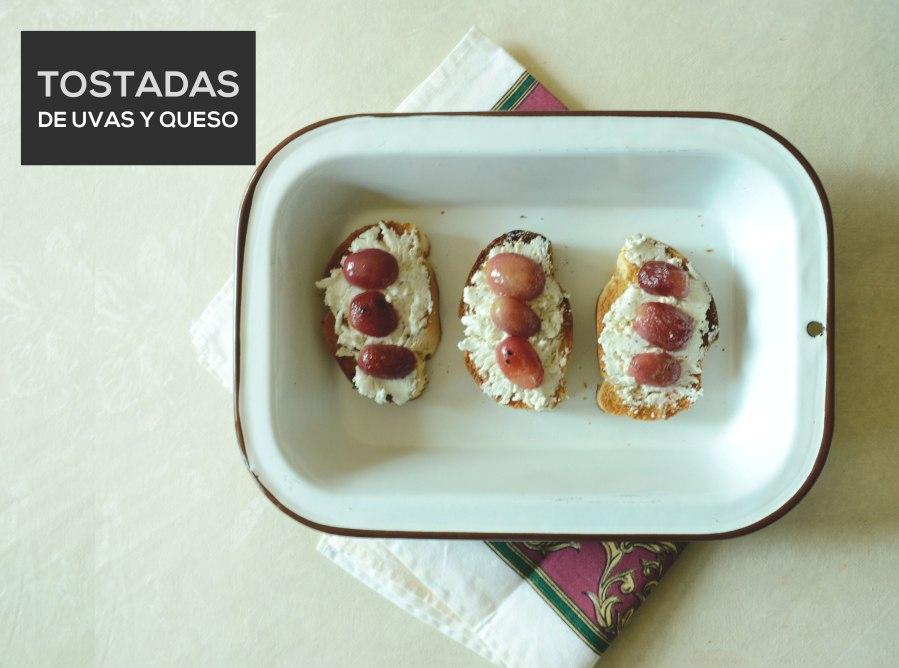 tostadas-de-uva-y-queso